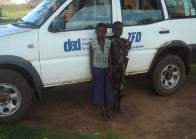 Buchrecherche in Uganda Dr. Ruth Mischnick